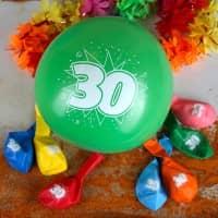 8 Luftballons zum 30. Geburtstag