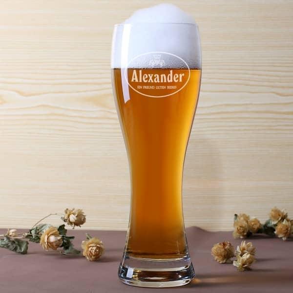 Weizenbierglas mit Wunschname - Ein Freund guten Bieres