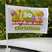 Happy Birthday Autofahne mit Name, Alter und bunten Luftballons