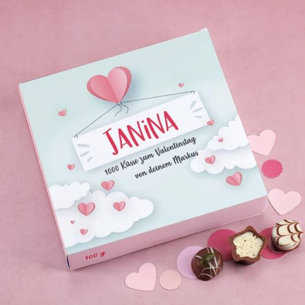Lindt Pralinés in romantischer Verpackung mit 3 Zeilen Wunschtext