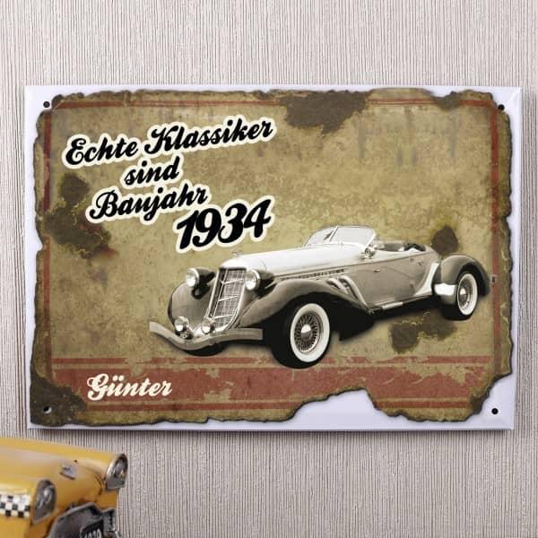 Nostalgisches Blechschild bedruckt mit Autoklassiker, Jahr und Name