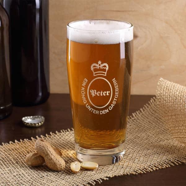 schlichtes Kirmes-Bierglas mit persönlicher Gravur des Namens einer Krone und einem Spruch