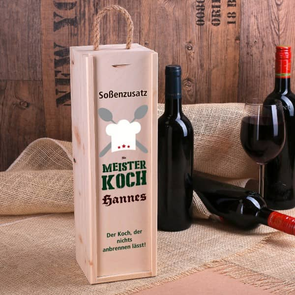Holzkiste für Flaschen bedruckt mit Koch-Motiv, Name und Wunschtext