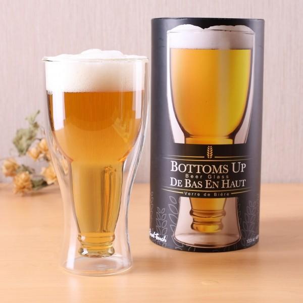 Bierflasche im Bierglas