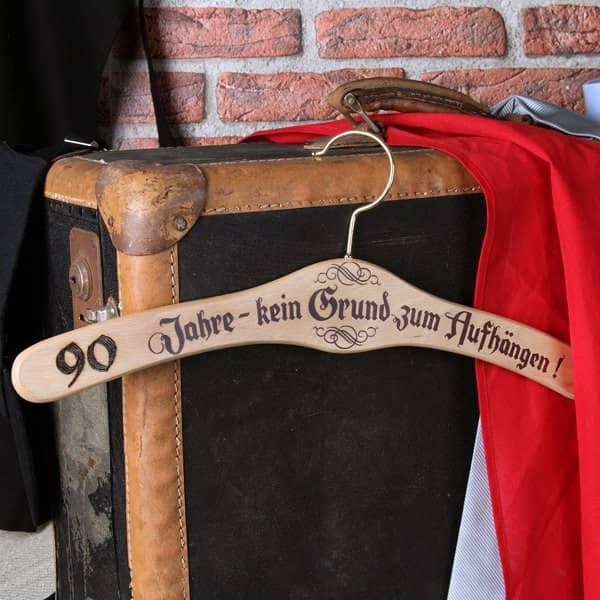 Kleiderbügel zum 90. Geburtstag