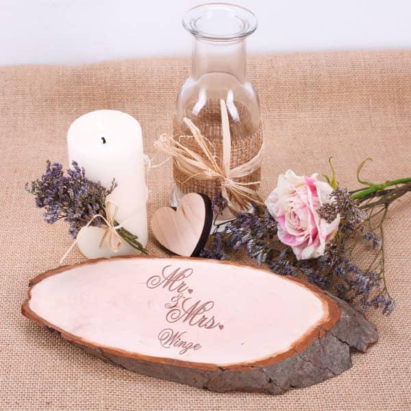 Holzscheibe Mr und Mrs mit Namensgravur