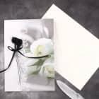 Trauerkarte mit schwarzen Rosen