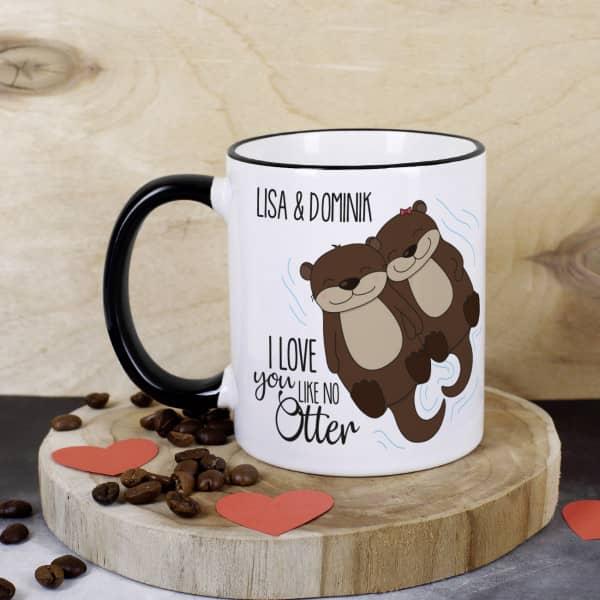 Tasse mit niedlichem Otterpaar und Ihren Wunschnamen