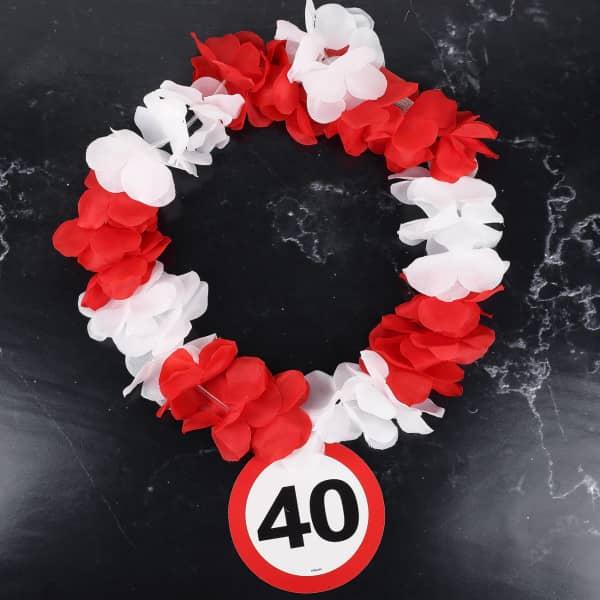 Hawaiikette mit Verkehrszeichen zum 40. Geburtstag