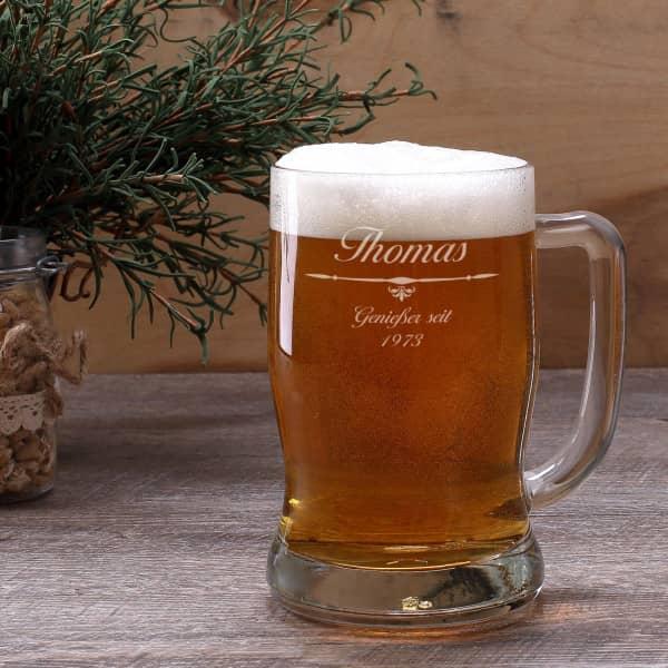 Graviertes Bierseidel mit Wunschnamen und Geburtsjahr