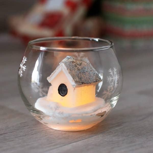 Wachs - Winterhaus im Glas mit LED