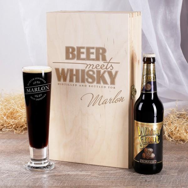 Geschenkset mit Whisky-Bier in gravierter Holzbox