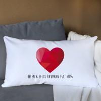XL Lounge-Kissen mit Wunschtext und Polygon Herz, 70 x 40 cm
