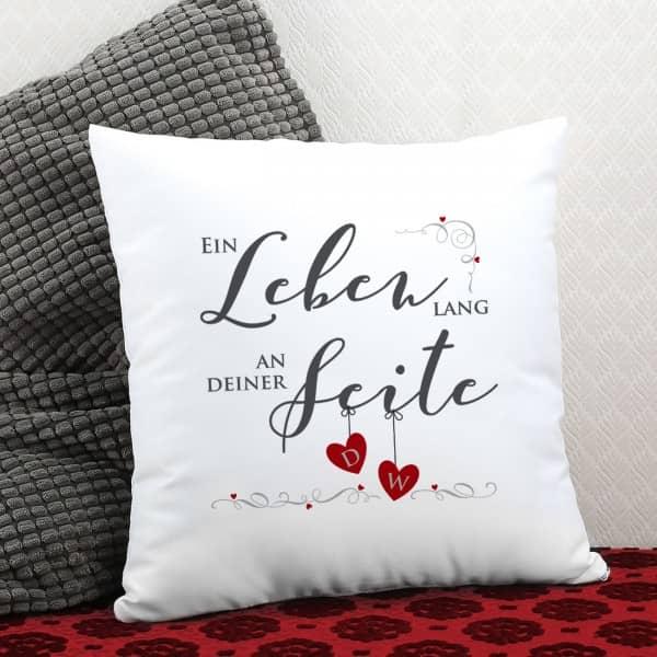 Ein Leben lang an deiner Seite - Kissen mit Initialen