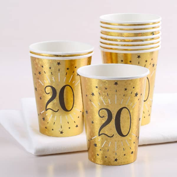 Goldene Pappbecher im Set zum 20. Geburtstag