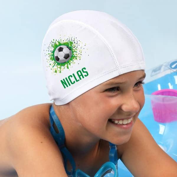 Badekappe mit Füßball-Motiv und Wunschname bedruckt