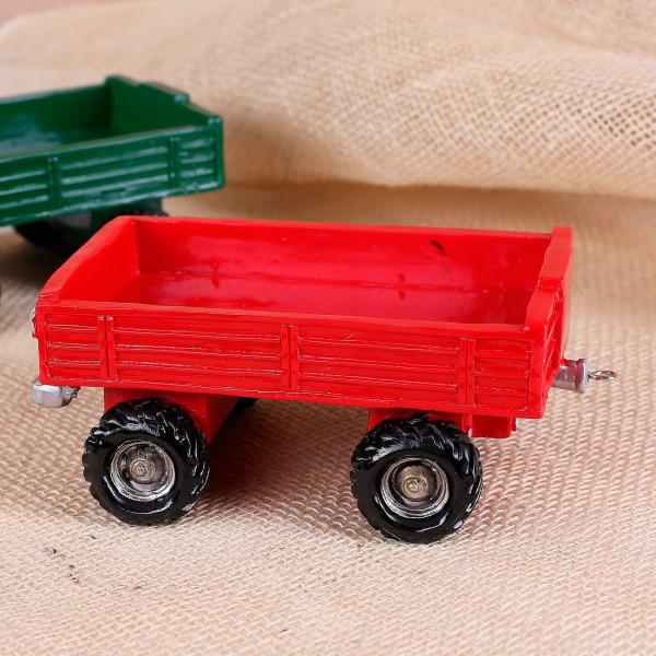 Roter Traktor-Anhänger