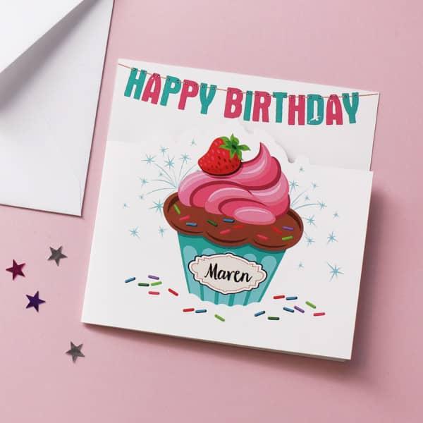 Glückwunschkarte mit Cupcake und Name Happy Birthday