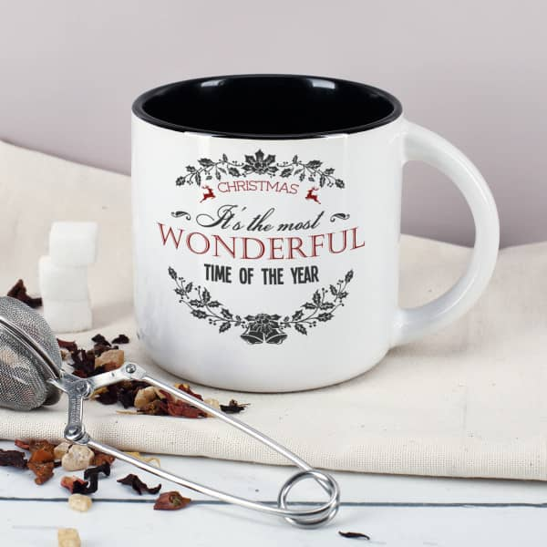 """Große Tasse mit Weihnachtsmotiv """"Christmas - It's the most wonderful time of the year"""""""