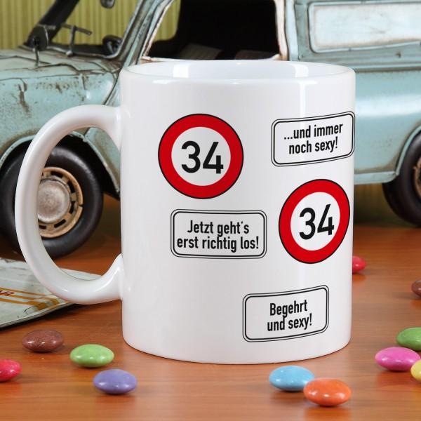 große Kaffeetasse zum 34. Geburtstag mit Verkehrszeichen 34