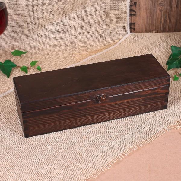 Holzverpackung in dunkelbraun
