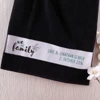 Handtuch - we are family - mit Ihrem Wunschtext, 50 x 100 cm
