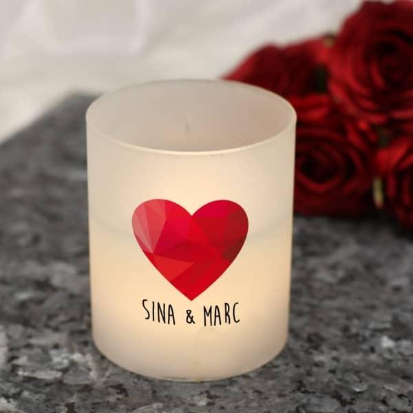 LED-Windlicht mit Polygon Herz und Ihren Wunschnamen