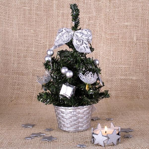 Kleines Weihnachtsbäumchen silber
