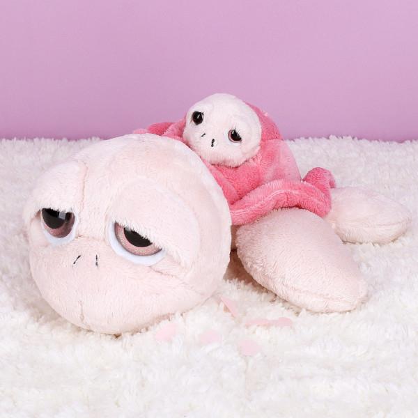 Kuschelige Schildkröte mit Baby in rosa