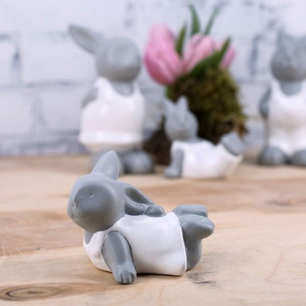 Keramikfigur als Osterdekoration