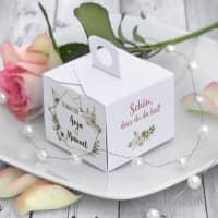 6 x Gastgeschenke Hochzeit Geschenkboxen mit Namen, Datum und Blüten