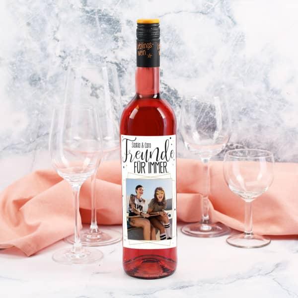 Wein mit personalisiertem Etikett