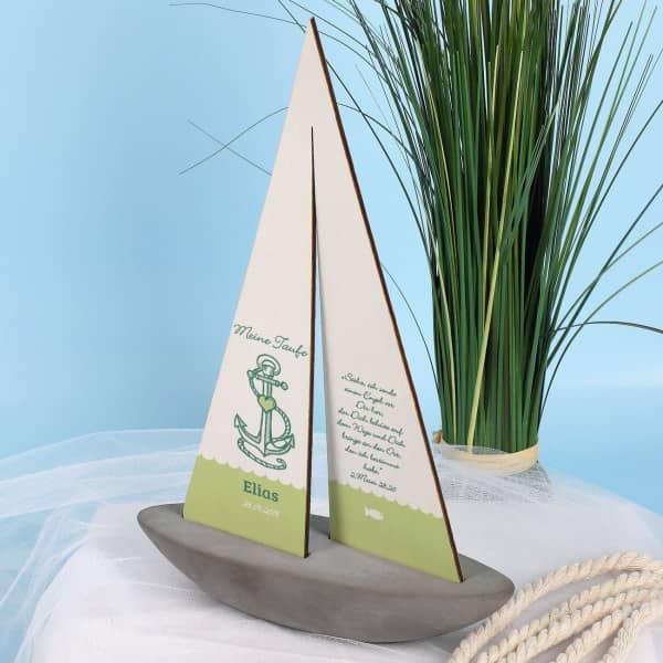 Segelschiff mit Wunschname und Datum