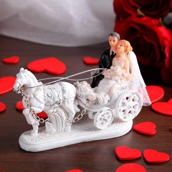 Figur Brautpaar mit Kutsche, klein