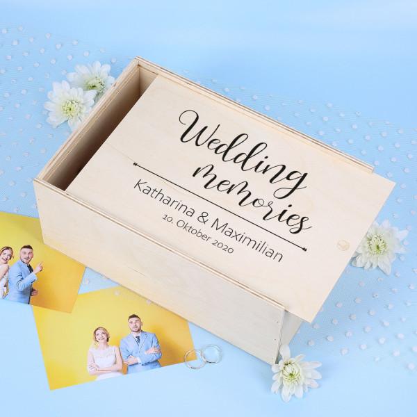 Bedruckte Holzbox für Fotos und Erinnerungen an die Hochzeit
