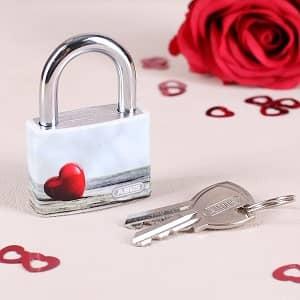 Liebsschloss zum Valentinstag
