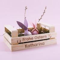 Gravierte Holzstiege zu Ostern als Osternest