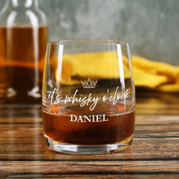It's whisky o'clock - bedrucktes Glas mit Name