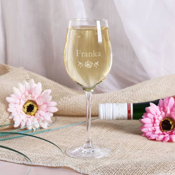 Gravierte Weißweinglas zum Geburtstag mit Ihrem Wunschnamen