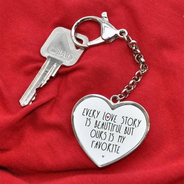 Schlüsselanhänger Every Love Story mit Ihren Namen