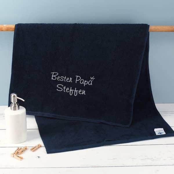 Bester Papa - nachtblaues Handtuch mit Name bestickt, 3 Größen zur Auswahl