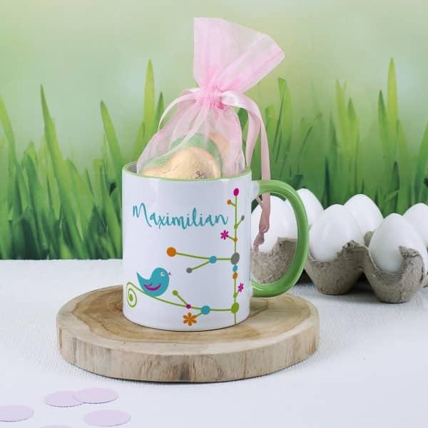 Tasse zum Muttertag mit Name und Lindt Schokoladen Herzen