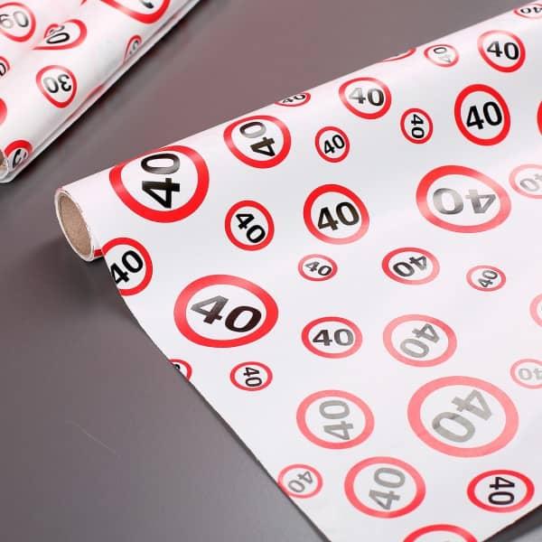 Geschenkpapier zum 40. Geburtstag im Verkehrszeichen Look