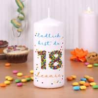 Kerze zum 18. Geburtstag mit Name und Wunschtext