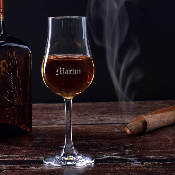 Whiskyglas mit Gravur Ihres Wunschnamens in altdeutscher Schriftart