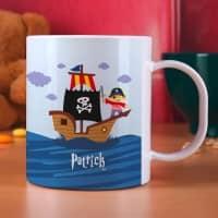 Tasse aus bruchfesten Kunststoff mit Piratenschiff und Name