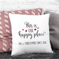This is our happy place - Kissen mit Ihren Namen, 40 x 40 cm
