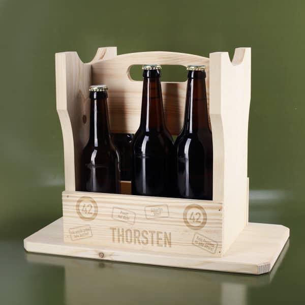 Bierträger und Hocker in einem mit persönlicher Gravur