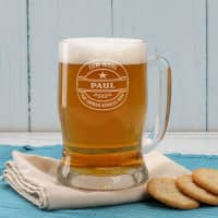 Gravierter Bierkrug mit Wunschnamen und Motiv Zum Wohl