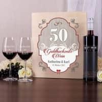 Goldhochzeitswein mit zwei gravierten Gläsern in edler Holzbox